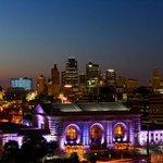 #FlickrKC: KC Night Lights. http://t.co/6XrMeIIgoE http://t.co/wr803k1wzv