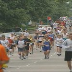 From the @WGRZ archives: In May 2001 (left), 403 people ran the @BuffaloMarathon. Its since grown to 6,000 (right). http://t.co/vKqEJmN6Nf
