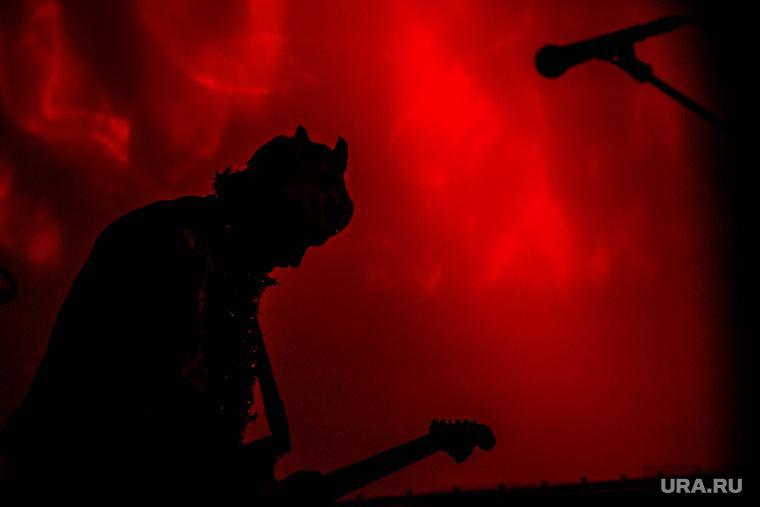 Песни известных рок-групп признали экстремистскими.