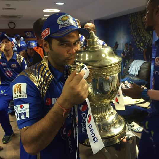 Thank you everyone..this wouldnt have been possible without ur support and wishes...@mipaltan http://t.co/BGc4tdbLN4