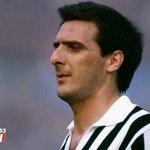 25 maggio 1953: 62 anni fa nasceva Gaetano Scirea, campione immenso, uomo straordinario. http://t.co/0epdor7s60