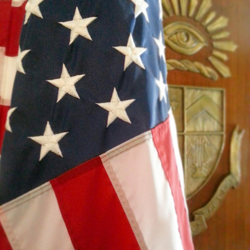 Today, we honor the fallen heroes who made the ultimate sacrifice for our country. #MemorialDay http://t.co/eMiohoKFyl