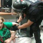ADA COLAU fue detenida por defender un desahucio, tras las elecciones, será la futura ALCALDESA en BARCELONA. http://t.co/NCrVm7m6Xh