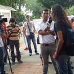 Estudiantes denuncian antes los medios de comunicaciòn la problemática de la UFPS #FuerzaBolivar @Cucutadenuncia http://t.co/y9FTXNqyUQ