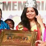 #Singer #Sunitha felicitated with #NTR award  read @ http://t.co/gmrK0LPgFj http://t.co/SKm41xVpf8