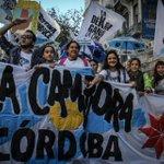 """Según la TV Pública en este #25deMayo """"no existen las banderas políticas"""". Después dicen Clarín miente. http://t.co/dSbpGncmyW"""
