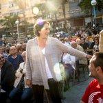 Te presentamos a @AdaColau la activista antidesahucios que será alcaldesa de #Barcelona http://t.co/yCML08eG20 http://t.co/5Rnu8ezrbg