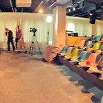 Este es el set en donde se transmitirá #CD9AndFriendsSpain, en 5 minutos inicia. http://t.co/lBgBiFFKTO http://t.co/pNnHVLz8VP