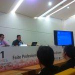 @ClaudioGuridi en #1mes1profDIX hablando de generación de contenidos con drones http://t.co/XbG4tLp7WJ