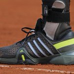 Andy #Murray joue avec son alliance... accrochée à sa chaussure ! #lover #RG15 #RG15 (Photo : @tennis_photos) http://t.co/XVdnY35n8F
