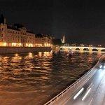 Melihat Paris di Malam Hari, Pasti Jatuh Cinta! http://t.co/iKVQbkQ5kc via @detiktravel http://t.co/KvAy2NM0Su