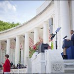Obama pays tribute to fallen service members at Arlington - http://t.co/8fJjPel8GW http://t.co/QoOvXXiqEh