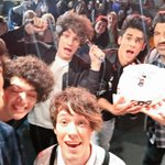 ¡Gracias por tanto! ¡Celebramos el lanzamiento de nuestro álbum #LOVEANDLIVE en España! #CD9AndFriendsSpain http://t.co/XHnUK947X9
