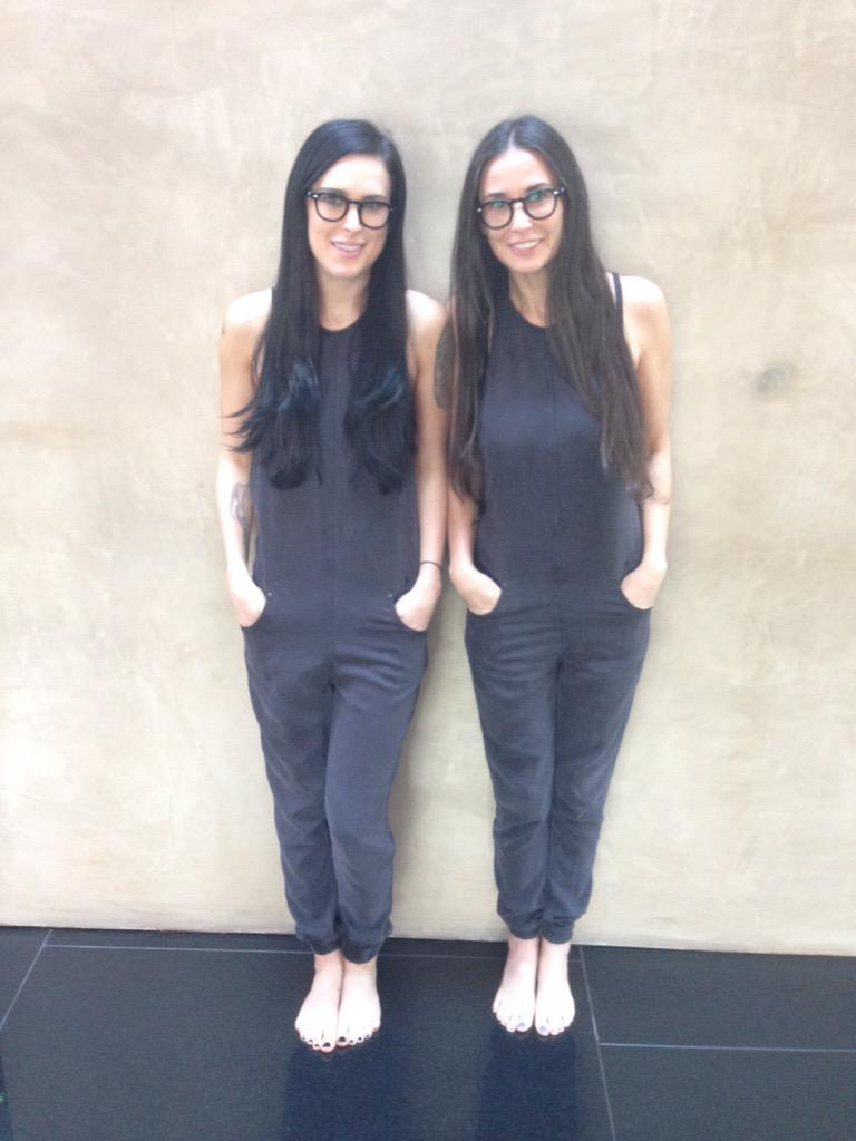 Bookends!! #twinning http://t.co/AMAmnydvPi