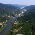 4대강 사업 이후 어느 공직자도 녹조라떼로 상징되는 환경파괴와 수질오염에 책임지지 않았고, 현 정부 들어 사업은 5대강 천변 개발로 확대되는 양상입니다. http://t.co/iTIK8YkbSI http://t.co/Njk9ghwjnM