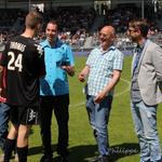 [Election joueur saison] Remise du prix à Romain tjrs par Jack.Boss, Lacouture et Cat, avec Florian dOxygène radio. http://t.co/LmjPKKlm8m