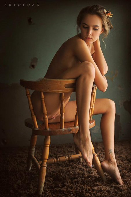 Chair of Memories by Artofdan :) http://t.co/7qUWUqKfFu