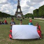 La bandera sigue creando conciencia. Debemos dejar de usar rescatables si no queremos que el mundo lo sea. RT http://t.co/l4TnmDaon8