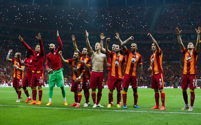 Galatasaray a été sacré champion de Turquie pour la 20e fois ! http://t.co/ba9VjiDgKT