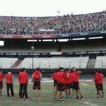 Los jugadores saludaron a los hinchas que accedieron a la tribuna Centenario del Monumental #114AñosRiver http://t.co/bfvFihhybp