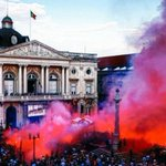 Lisboa ontem, no desfile do Benfica pelo título português https://t.co/VtlbGqDurI