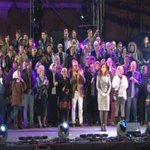 #Ahora #25deMayo Tiempo de Himno Nacional Argentino. Canta Guillermo Fernandez http://t.co/wZeFXKcRkP