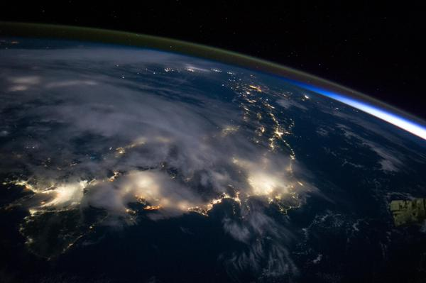 #Japan from space. Tokyo shining bright. http://t.co/fhF2dxBNNT