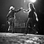 RT @FabianaMetal77: @calvin_bach_7 @sebastianbach @YouTube. Monsters of Rock... Tião and Axl... http://t.co/n2fvZ5PAzz