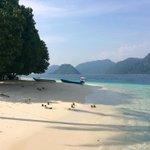 Pagang Island, Padang - West Sumatra. Foto Taufiq Ahmad @infoSumbar @indtravel @PROVINSISUMBAR @InfoPadang_ http://t.co/LEDDEOIknv