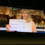 Like a BOSS. Technology fails? She improvises. @TiffanyGlobal @GlobalRegina http://t.co/ir1glUXG6S