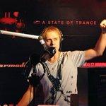 Armin Van Buuren saludó a Paraguay durante una de las recientes ediciones del @asot, transmitido por @radiovenus! http://t.co/qyPGGtfXAM