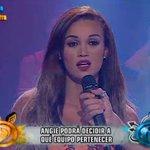 #EEG EN VIVO : Angie Arizaga eligió ser Cobra y volver al lado de Nicola Porcella http://t.co/mazN1hUHdn http://t.co/O5jYrs55af