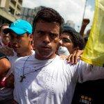 Leopoldo y Ceballos planifican los muertos hasta en Ramo verde. Escúchelos http://t.co/grTeTco7qy http://t.co/ZDbsjcsQqP