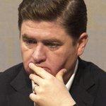 Aldo Fasci muestra papeles de fortuna de los Medina en Islas Caimán y pide a EU investigar http://t.co/vEluOi7kt0 http://t.co/c6dDvq3pSh