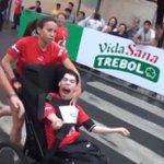 """[VIDEO] Pese a sus limitaciones, Gabriel """"Fofi"""" Olmedo corrió la Media Maratón de Asunción http://t.co/DNrSMTYvcx http://t.co/HgsXNQkADD"""