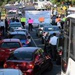 Cuando sus taxis ofrezcan un servicio digno @OlavarriaLaura @HLeonRufino me avisan. #Cretinos http://t.co/9Du0y0bsFo