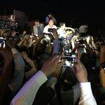 Desde una pick up, el Presidente @EPN dirigió un mensaje de solidaridad y respaldo a los afectados por el #tornado. http://t.co/U5Rjz7Mfiz