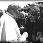 [CRÓNICA] Cuando Juan Pablo II no quiso ayudar a #OscarRomero ---> http://t.co/DTypIE8QR5 http://t.co/orzWvI1nqU