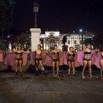 #DéjalaDecidir La noche en que los cuerpos de las mujeres gritaron frente al Congreso http://t.co/RJSdQ1Q3yz http://t.co/Fecez4c6t1