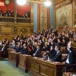 Suivez les débats du #ConseilDeParis en direct - et pour la 1ère fois en langue des signes http://t.co/QSUr8LLdpA http://t.co/MY8hjO60CK