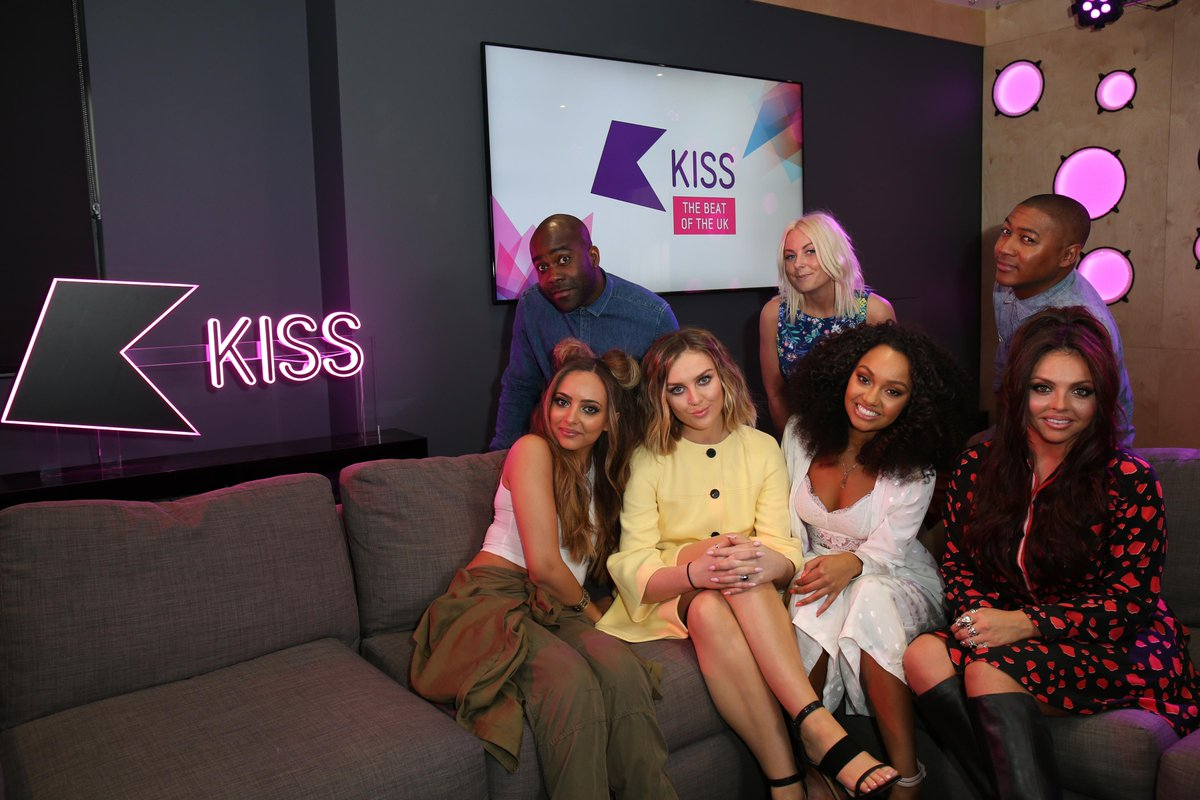 Great catching up with @LittleMix always a pleasure having them in xx #Mixers #MixersAreExcitedForBlackMagic http://t.co/lNlETqIVYd