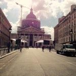 Le Panthéon 24h avant larrivée de Jean Zay et ses potos... http://t.co/XpMaZxtMS8