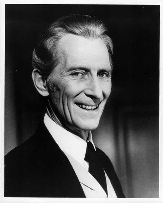 Happy 102nd Birthday to the late, great Hammer legend Peter Cushing. We miss you Peter! http://t.co/JRwMcWMBWz