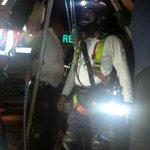 Bomberos del CRP se unieron anoche a la búsqueda de Sara y César López, quiénes cayeron en alcantarilla en Coro. http://t.co/Qk2nS4mEL4