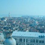 per favore fav e RT, GRAZIE INFINITE! ;) https://t.co/2XWgzBXZj0 servizio di qualità affitto vendita case Venezia http://t.co/cnJyj14fTY