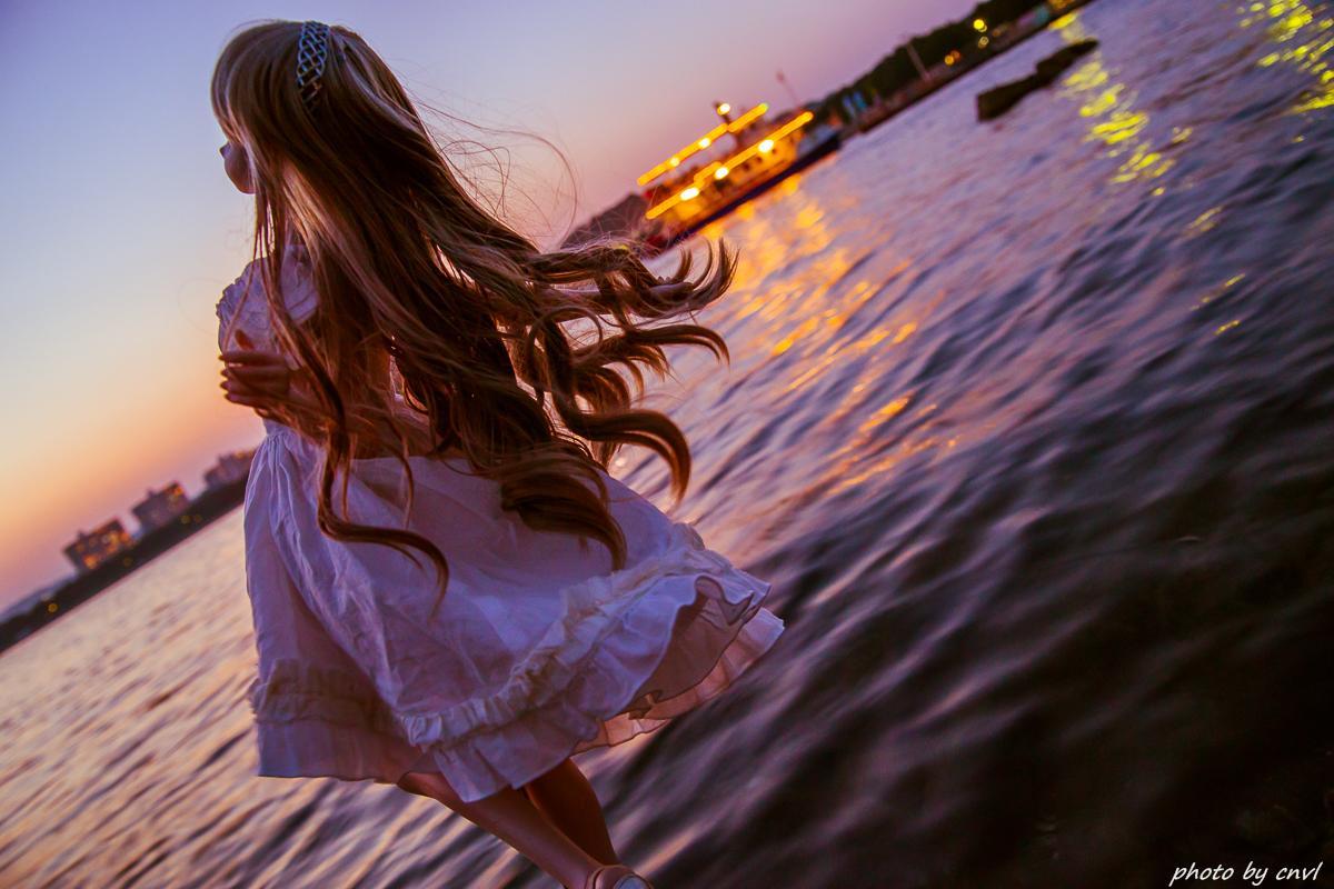 八景島の水辺は夕陽が綺麗だったのですが、足元プルプルにつき構図が厳しい。  具体的には傾け過ぎにつき、ニンジャが突然やってきて殺す http://t.co/bThyqY1w5G