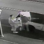 En video quedó registrado millonario robo a una bodega de electrodomésticos en Bogotá. http://t.co/7u4RONJHdQ http://t.co/GrAgTFKWQ0