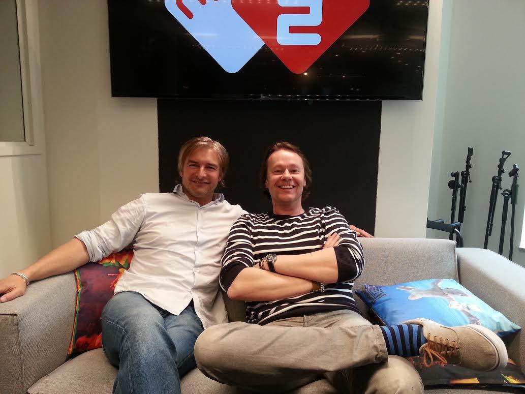 """Acteur @VictorReinier schrijft momenteel Flikken Rotterdam: """"De cast wordt top!"""" http://t.co/BZqjQFVvq3 http://t.co/OEt1leVxl9"""
