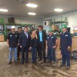 Avec Sébastien @SCouturePQ chez Option Métal, entreprise économie sociale recyclage métal #chauveau Bon succès. http://t.co/DSCkEaOwFY