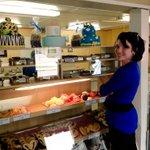 Pâtisserie du village: une des bonnes adresses pour les amateurs! Petite surprise à mes bénévoles ! ;) #Chauveau #PLQ http://t.co/4aDTA1gqBG